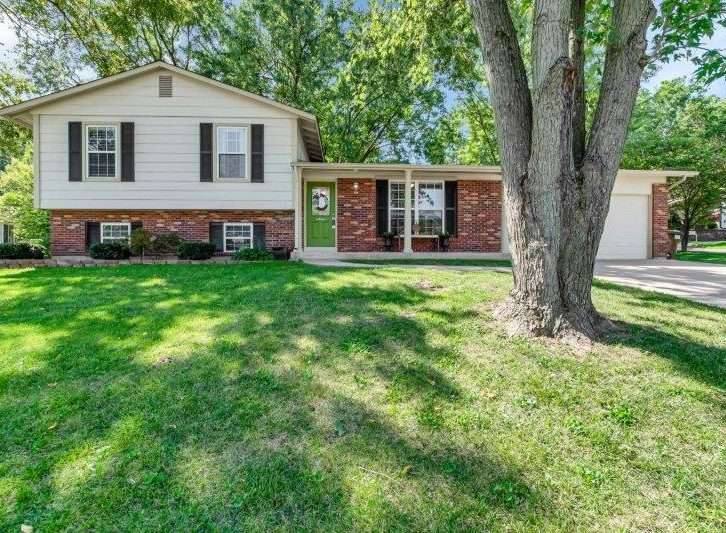 56 Country Creek Drive, St. Peters, MO 63376