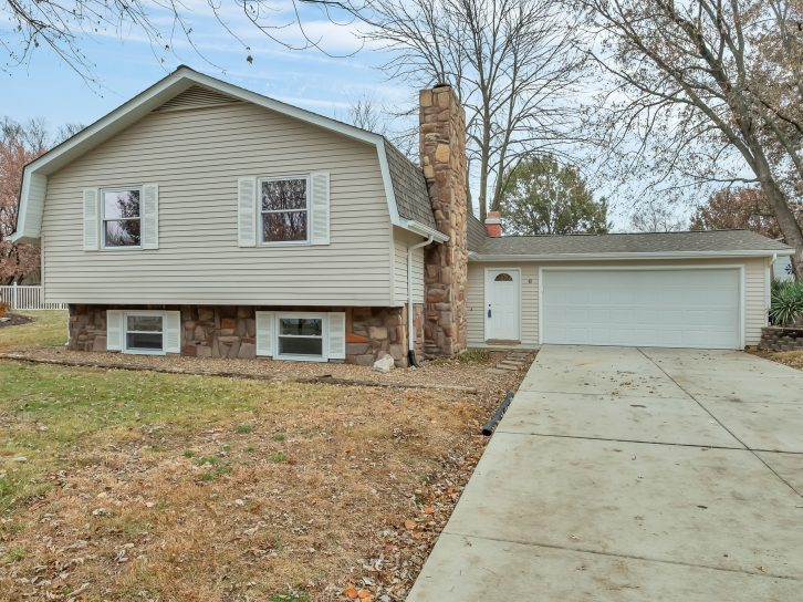 6 Hanging Tree Court, St. Peters, MO 63376